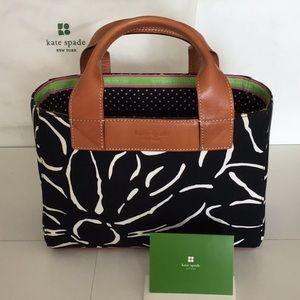 NWOT kate spade small bucket bag